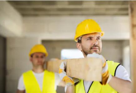 """加拿大移民局认可的""""房屋建筑和装修经理""""需要具备哪些条件?"""